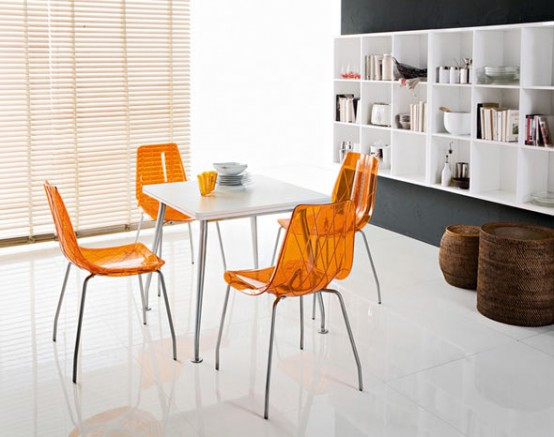 яркие стулья от Domitalia